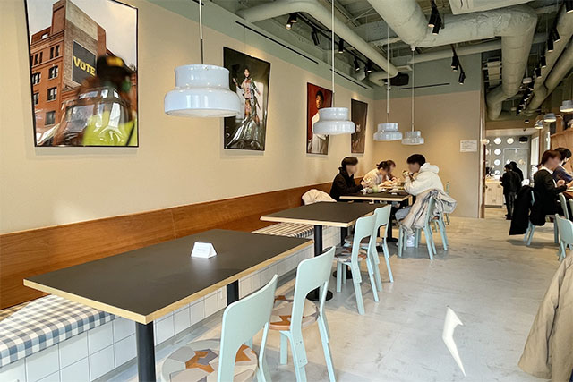 SNS CAFÉ TOKYOの店内