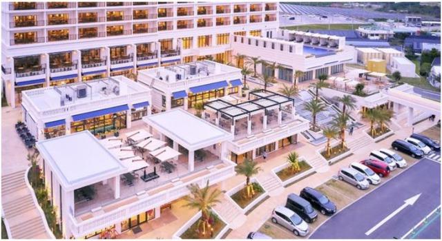 展望大浴場付きのホテル「アラマハイナコンドホテル」も併設されています