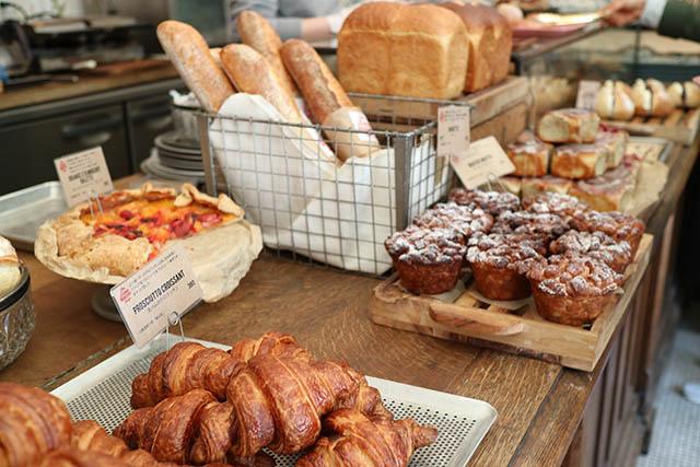「The Little BAKERY Tokyo」に並ぶパンの数々※写真は移転前のものです