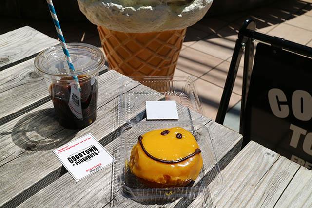 「ドリップコーヒー(アイス)」550円(ともに税別) ※写真は移転前のものです
