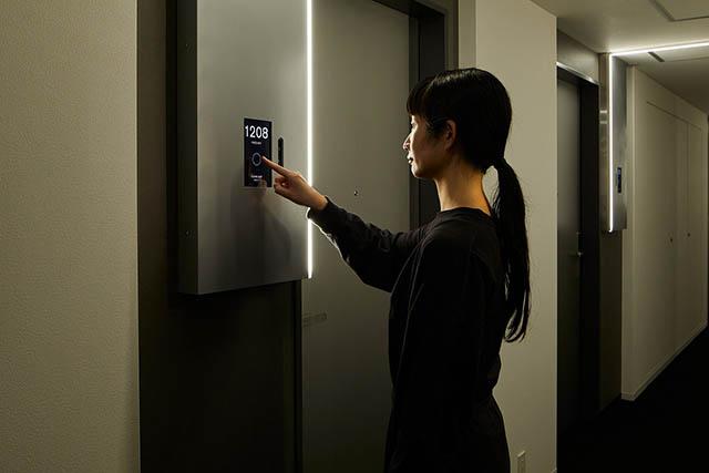 顔認証システムで入室