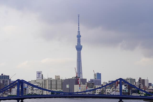 隅田川大橋から望遠レンズで撮影