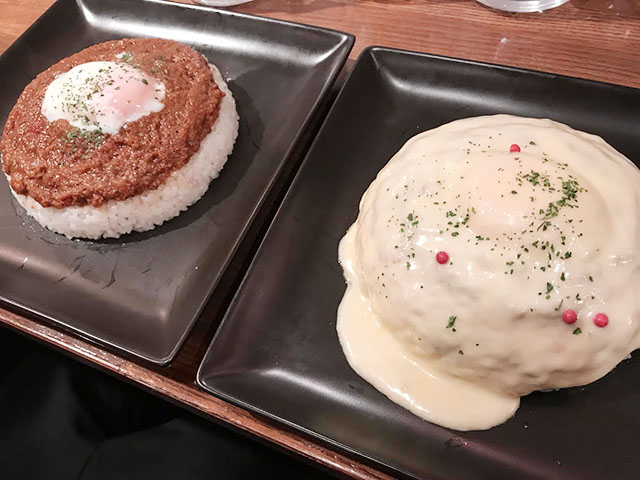 「キーマカレー」中・900円 大・1,000円 とろ~りチーズ(トッピングメニュー)・200円