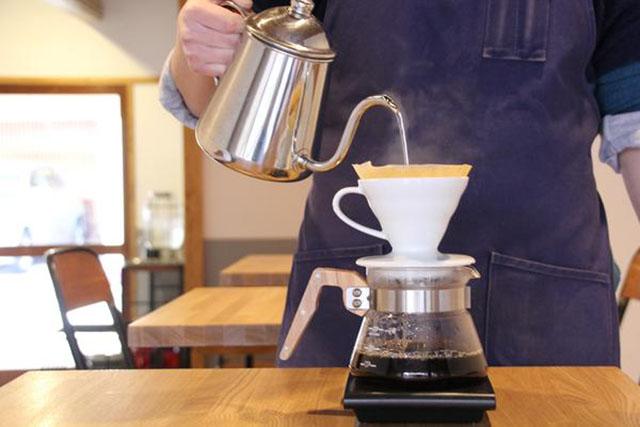 一杯のコーヒーでお目覚め