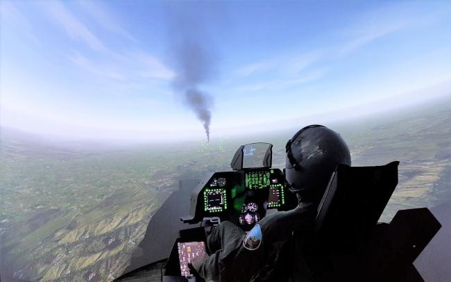 戰鬥機體驗遊樂設施「LUXURY FLIGHT」
