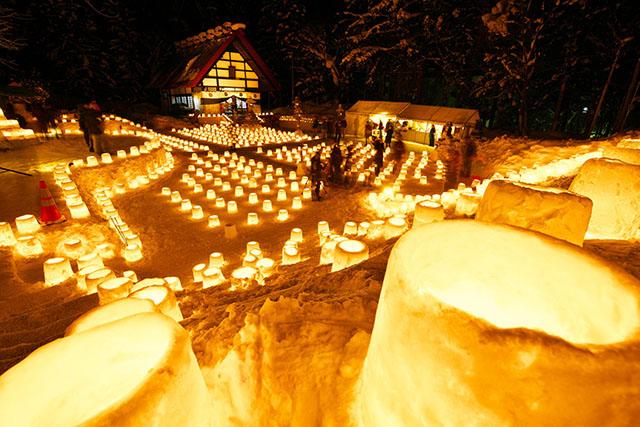 Jozankei Onsen Yukitouro (Snow Candle Way)