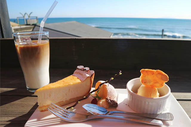 Amalfi CAFFÈ의 디저트 세트 1,000엔~