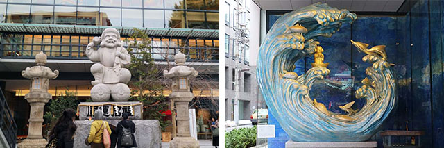 A large statue of Ebisu and the admiring statue of Daikoku