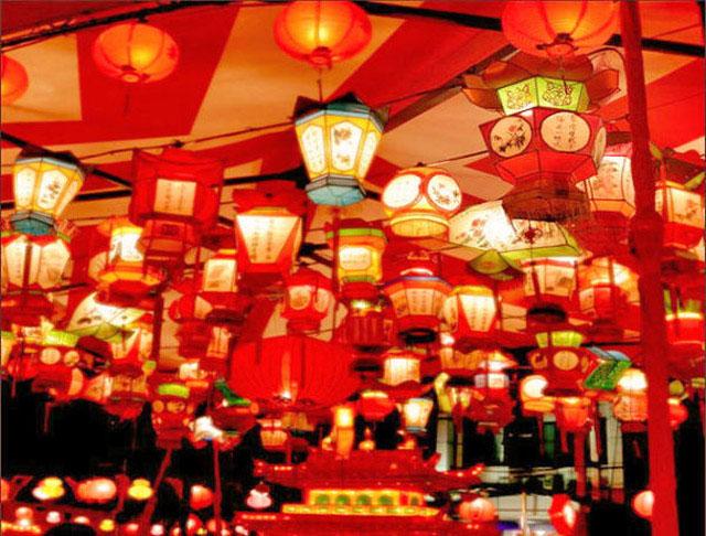 長崎新地中華街的長崎燈籠節