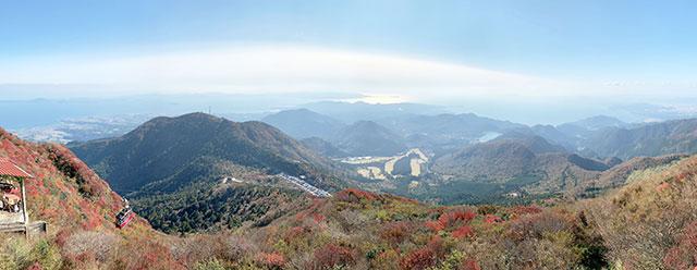 由仁田峠展望台所看下去的景色
