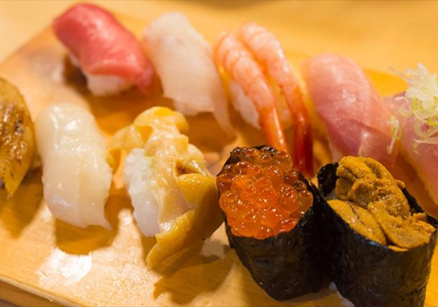 """Sado Converyar Belt Sushi """"Benkei"""" Pier Bandai branch"""