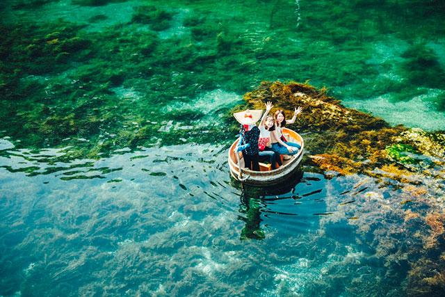 矢島經島的木桶船(たらい舟)