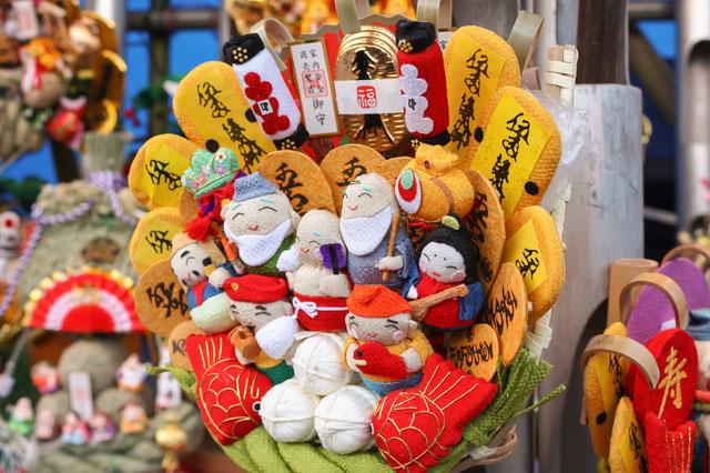 Kumade (auspicious bamboo rake) decorated with Seven Lucky Gods