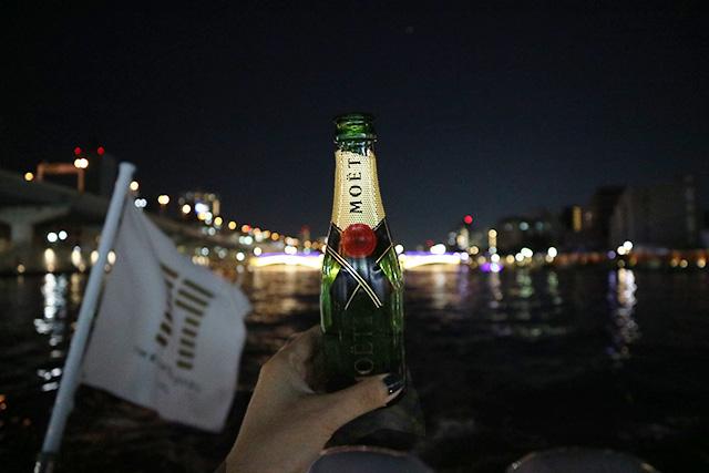 Charter cruise(チャータークルーズ)~MOET香檳