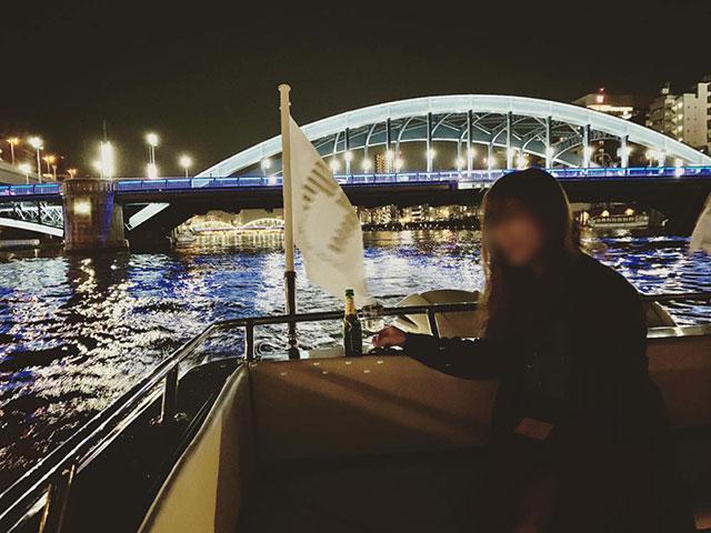 Charter cruise(チャータークルーズ)~可以坐在甲板上邊飲酒邊看夜景