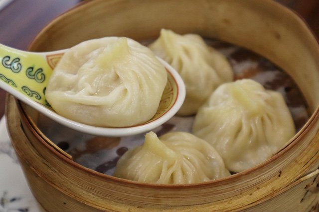 Xiao Long Bao sold for 480 yen (tax inclusive) for 4 pieces