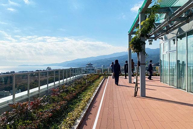 於14樓的展望台 可清楚看到小田原城佇立在眼前
