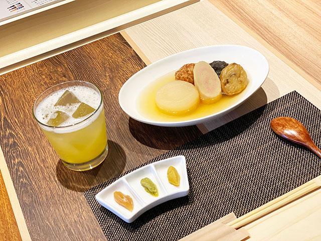 關東煮5品 700日圓(含稅) / 梅子果汁 320日圓(含稅)