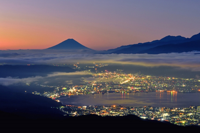 Whole view of Lake Suwa at night from Takabocchi Highlands