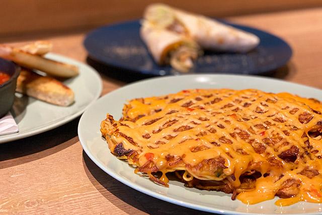 「ヌードルキムチパンケーキ(麵+泡菜+鬆餅)」