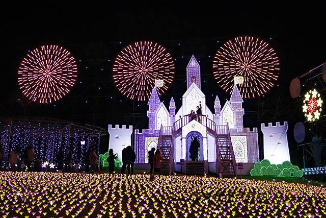 Flower Castle with full bloom artificial azaleas