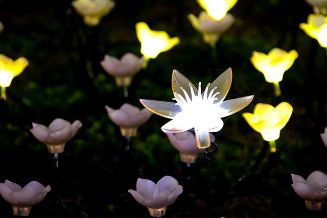 Artificial azaleas looking flower