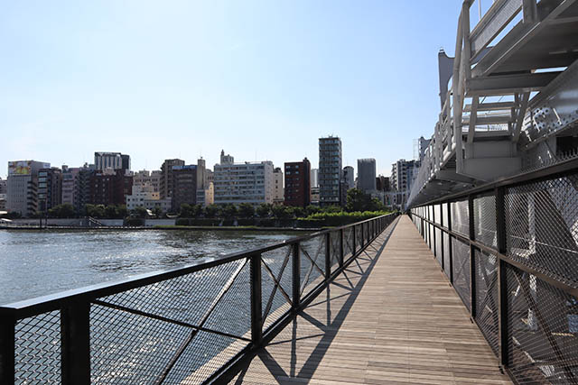 步道橋「Sumida River Walk」