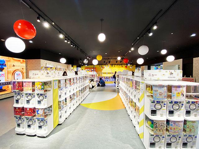 ガシャポンのデパート(Gashapon Department Store)池袋總本店 店內