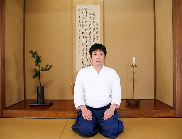 Kiyomoto Ogasawara, son of the thirty-first-generation leader of the Ogasawara-ryū tradition