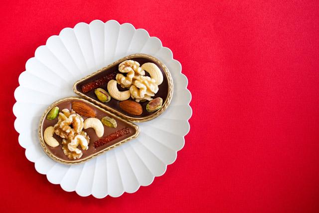 ショコラデンブルグ軽井沢チョコレート館 「マンディアン」ビター(上)・ミルク(下)各370円(税別)