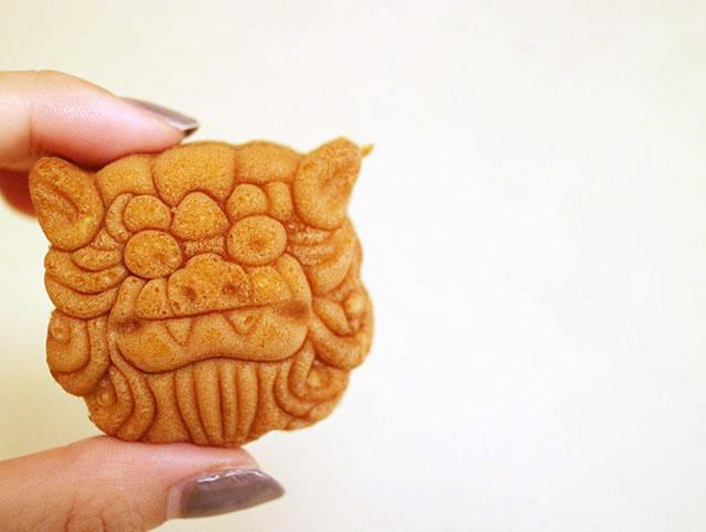 シーサー饅頭 8個入り 700円
