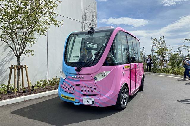 羽田イノベーションシティ内を巡回する「自立走行バス」は一般のお客さんも利用可能です