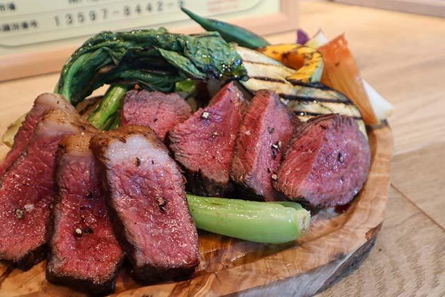 石垣牛赤身肉のグリル150g 2,900円(税抜)