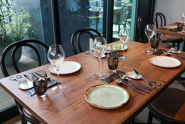 テーブルに着席したままブッフェを楽しめます