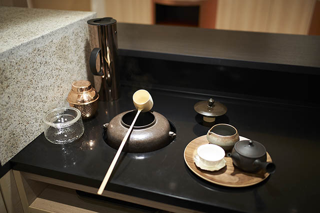 ホテル1899東京 ティーカウンターの茶釜