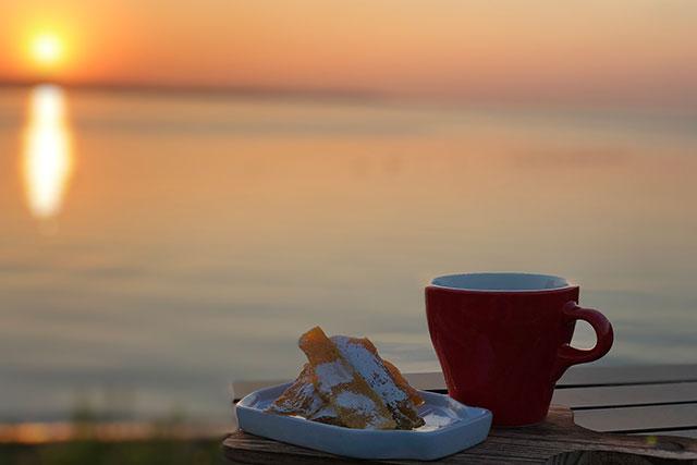 絶景の朝焼けをみながら、コーヒータイム