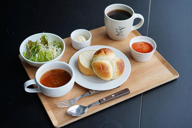 朝食メニューは7:00~11:00で提供