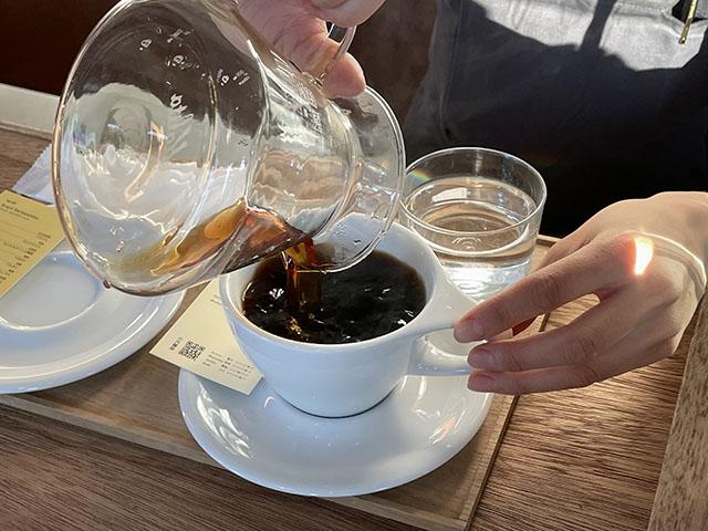 淹れたてのコーヒーをいただきます