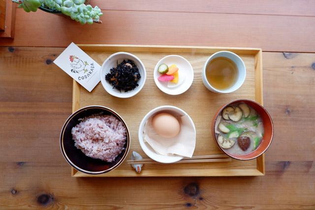 朝食屋コバカバ 朝食メニューは、ごはんの定食9種類とパンの定食2種類から選べます