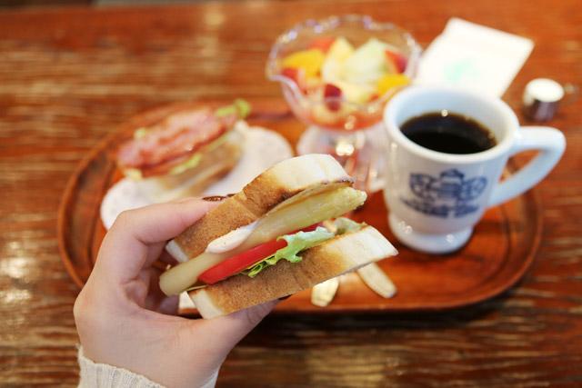 神戸にしむら珈琲店 中山手本店 モーニング「フルーツセット」850円