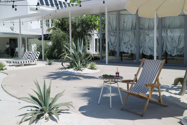 THE BEACH YOKOHAMA Teafanny 中庭はビーチリゾートそのもの!