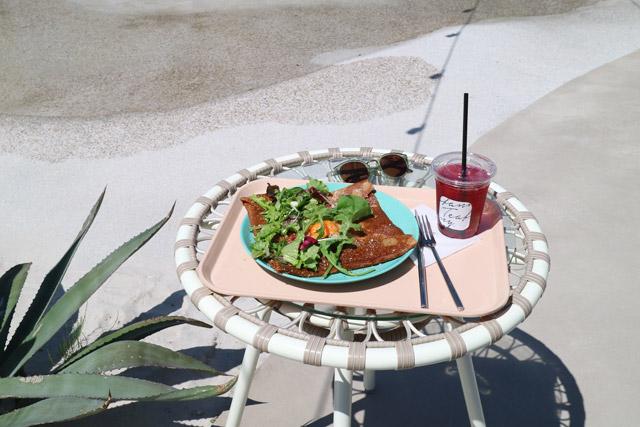 THE BEACH YOKOHAMA Teafanny 中庭で撮影の際にはスタッフの方に声を掛けてからにしましょう