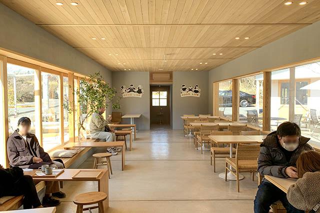 「バターのいとこ」 カフェスペース
