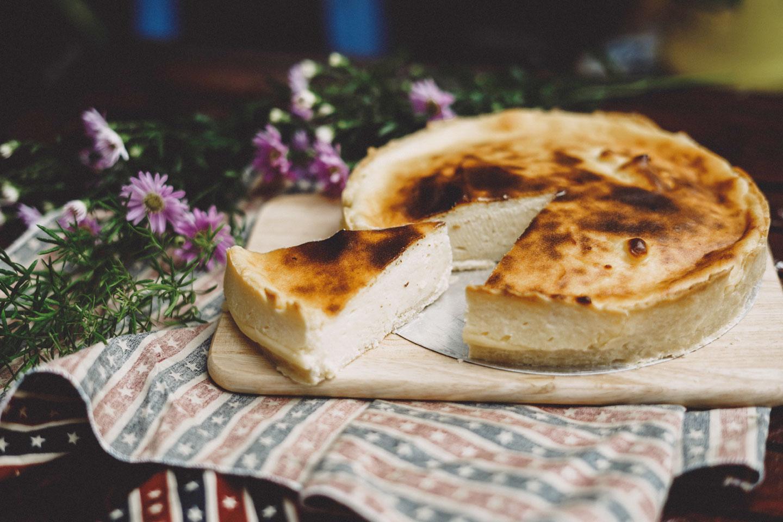 【おうちカフェ8選】人気の「チーズケーキ」をお取り寄せ!濃厚チーズで贅沢おうち時間