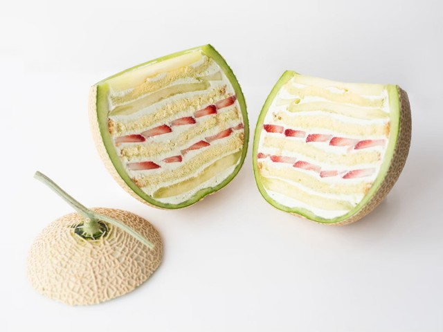 Cake.jp ORIGINAL「まるごとメロンケーキ」10,000円(税込)