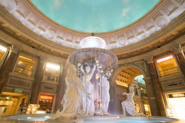 Iconic statue of a venus at Venus Fort