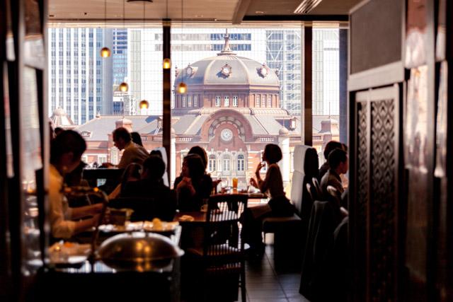 도쿄역 전망을 즐기는 레스토랑